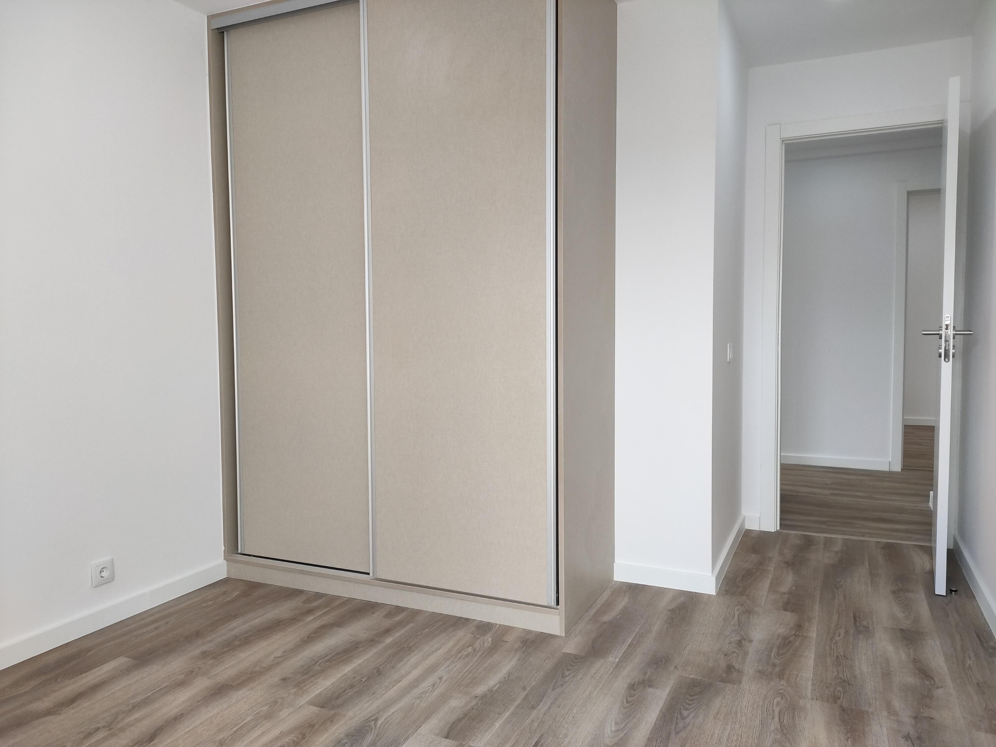 למכירה-דירת 2 חדרים, משופצת, מטרופולין ליסבון