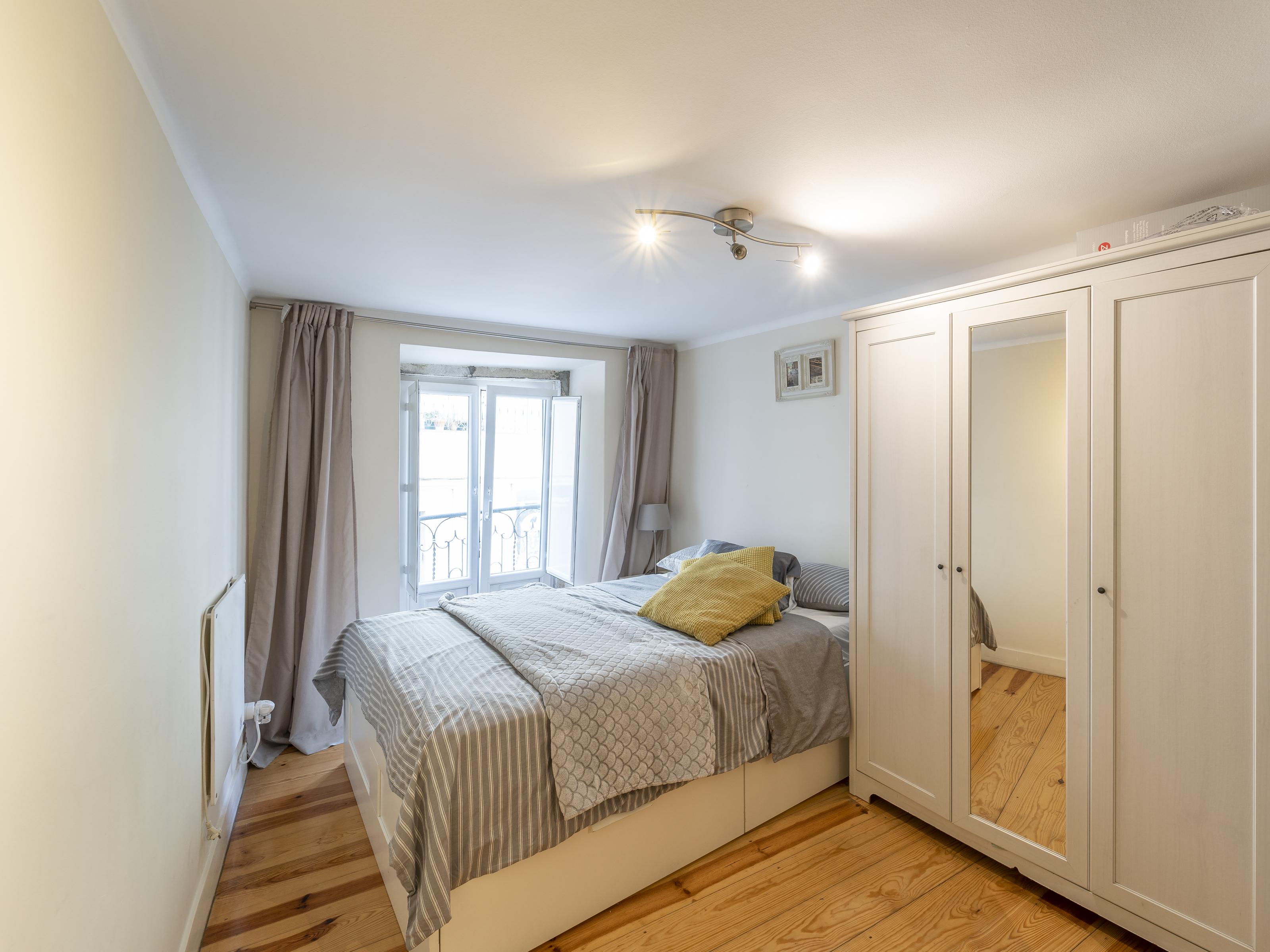 למכירה – דירת 2 חדרים, משופצת, ליסבון