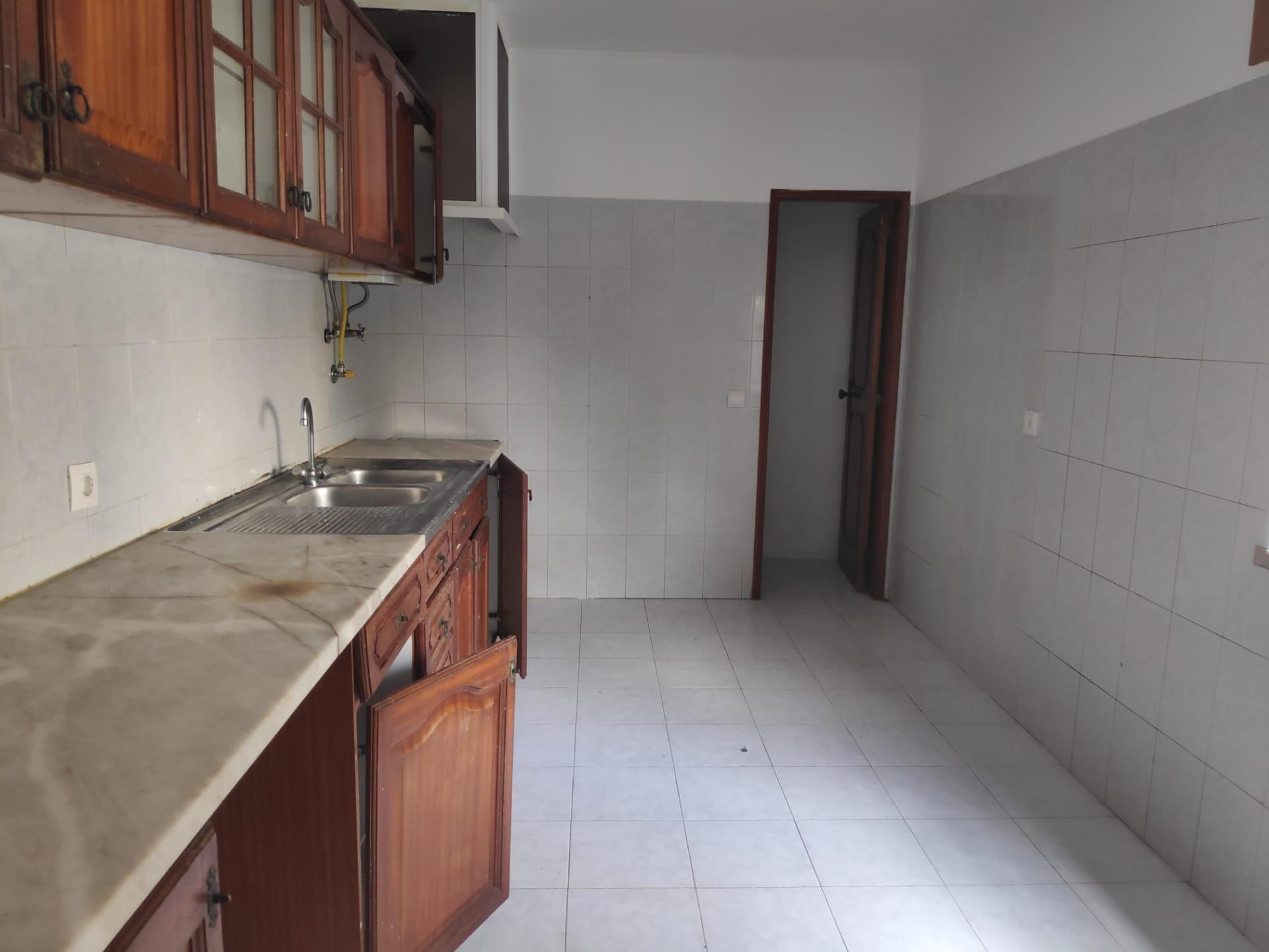 למכירה – דירת 3 חדרים, מטרופולין ליסבון