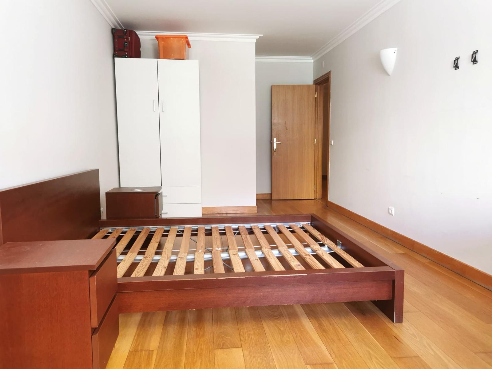 Used Apartment in Avenidas Novas – 65 m²