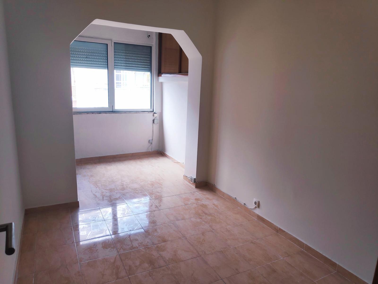 למכירה- דירת 2 חדרים, ליסבון
