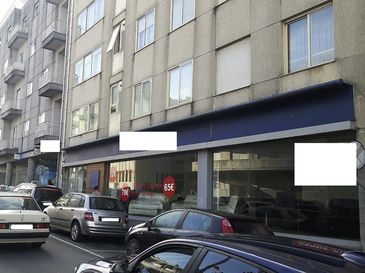 Shop with good areas along the Avenida Fernão Magalhães