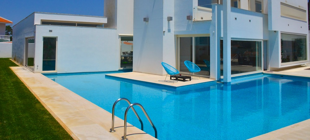 FANTASTIC 7 BEDROOM VILLA IN ERICEIRA