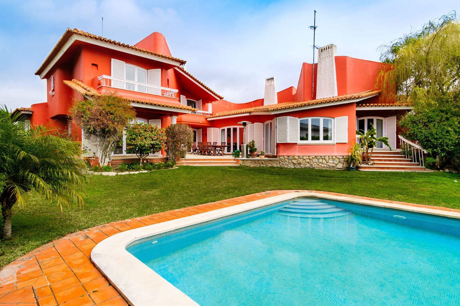 5 BEDROOM VILLA WITH POOL IN QUINTA DA BICUDA
