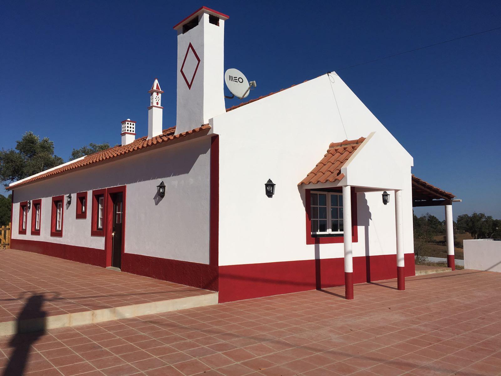 5-BEDROOM COUTRY HOUSE NEAR THE BEACH IN SANTIAGO DO CACÉM