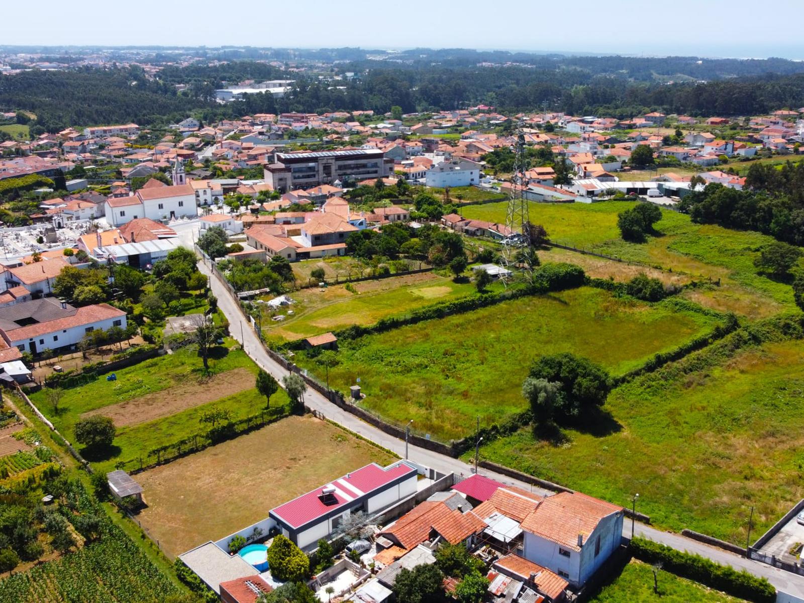 Inproject Land in Nogueira da Regedoura –