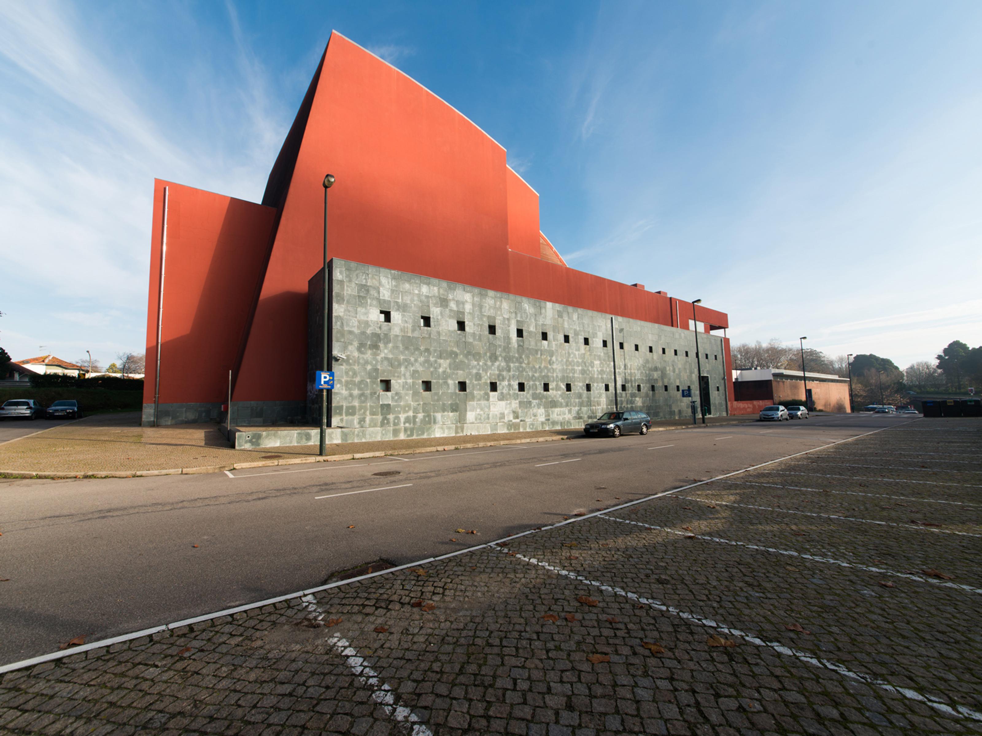 New SemiDetachedHouse in Campo Alegre (Lordelo do Ouro) – 172 m²