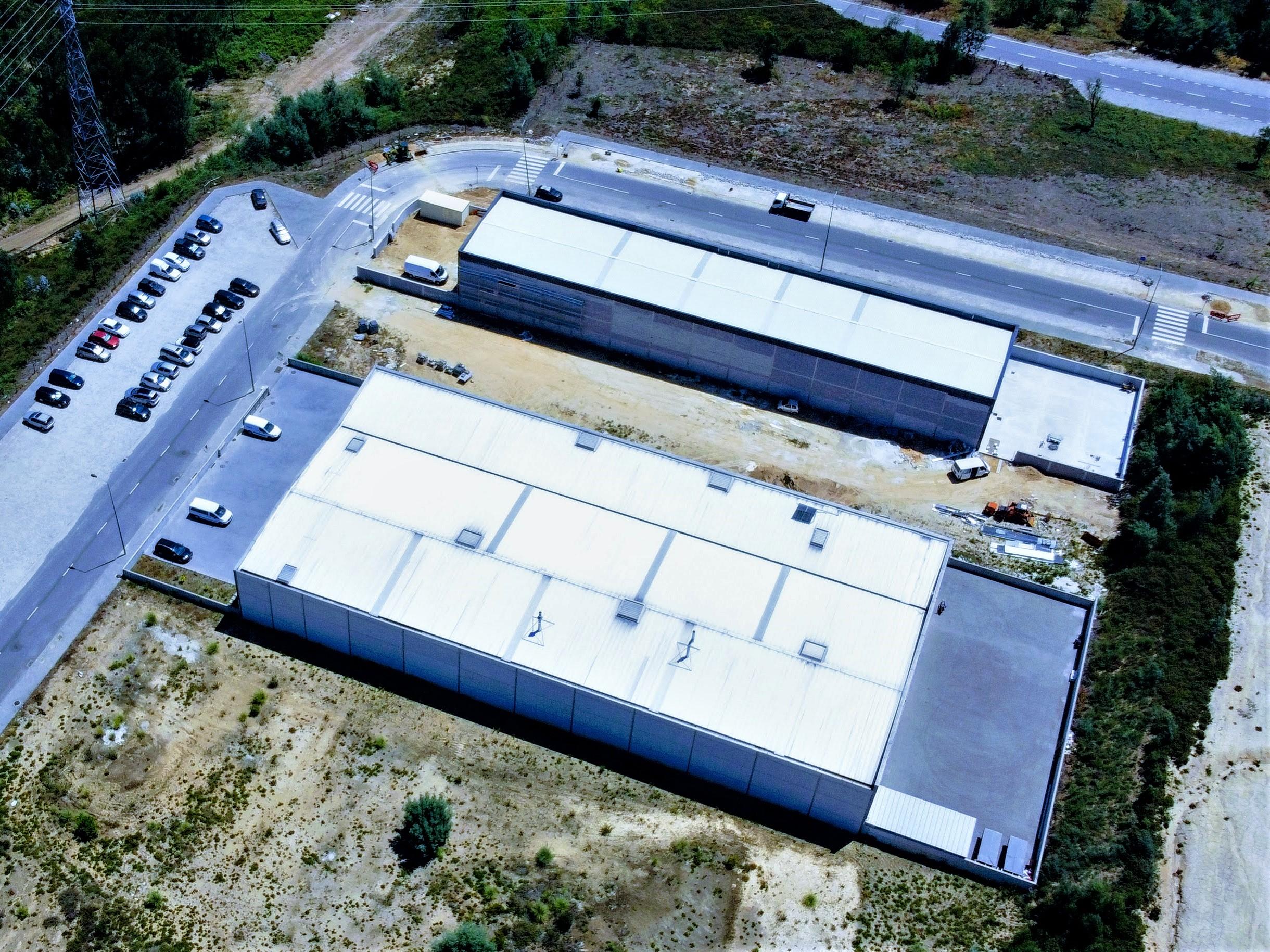Used Pavilion in Caldas de São Jorge e Pigeiros –