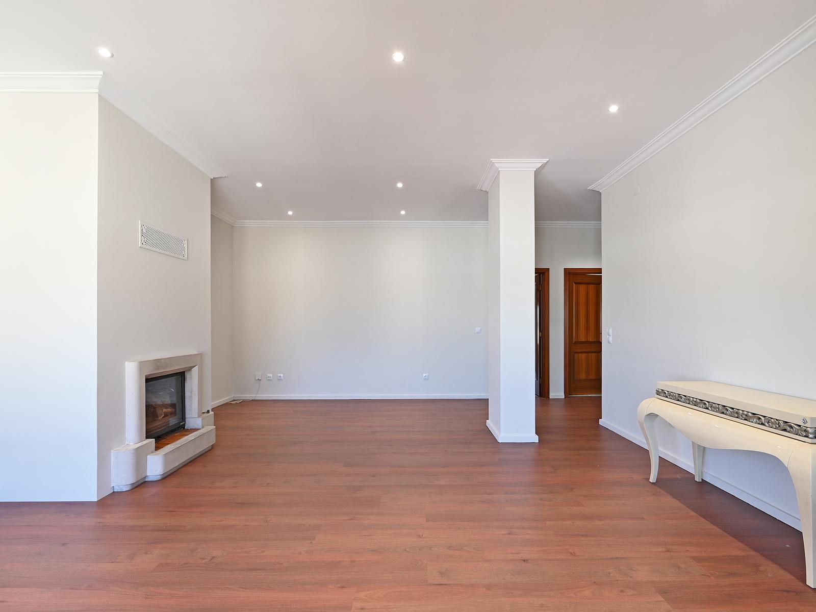 Used Apartment in Santa Maria da Feira, Travanca, Sanfins e Espargo –