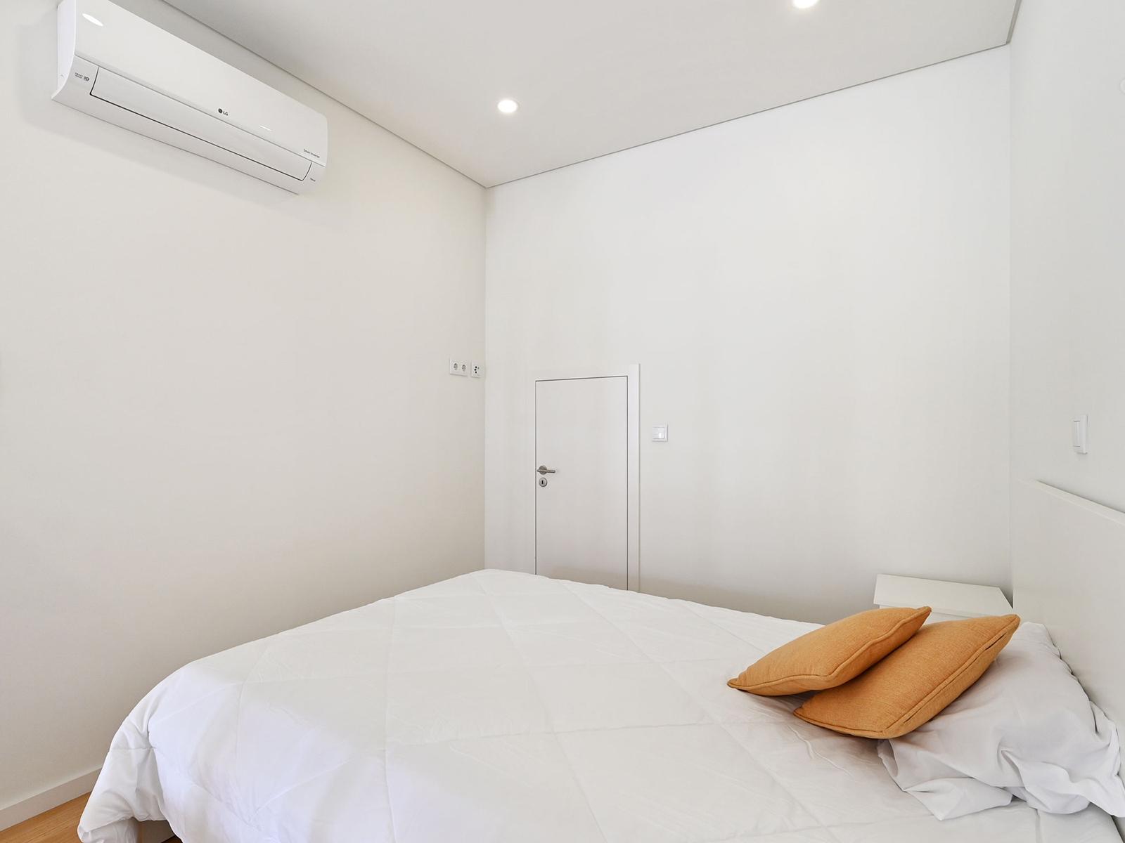 New Apartment in Arca d'Água – 77 m²